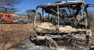 incendie-bus-zimbabwe-702x336