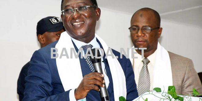 soumaila-cisse-femme-urd-opposition-tenue-traditionnelle-senoufo-cote-ivoire-campagne-election-mali-discours