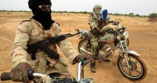bandit-terroriste-rebelles-voleur-moto-armes-1
