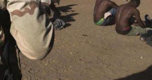 soldat-militaire-armee-malien-surveille-bandit-violeur