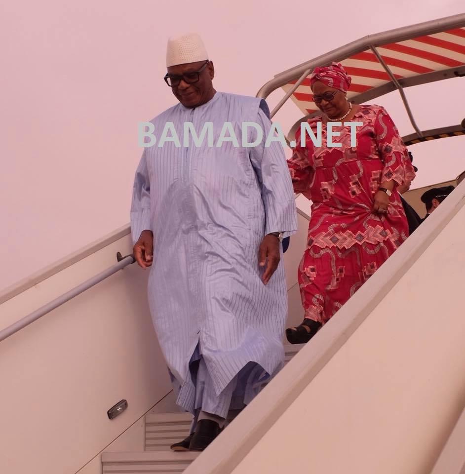 ibk-ibrahim-boubacar-keita-president-malien-president-epouse-femme-premiere-dame-maiga-aminata-avion-visite