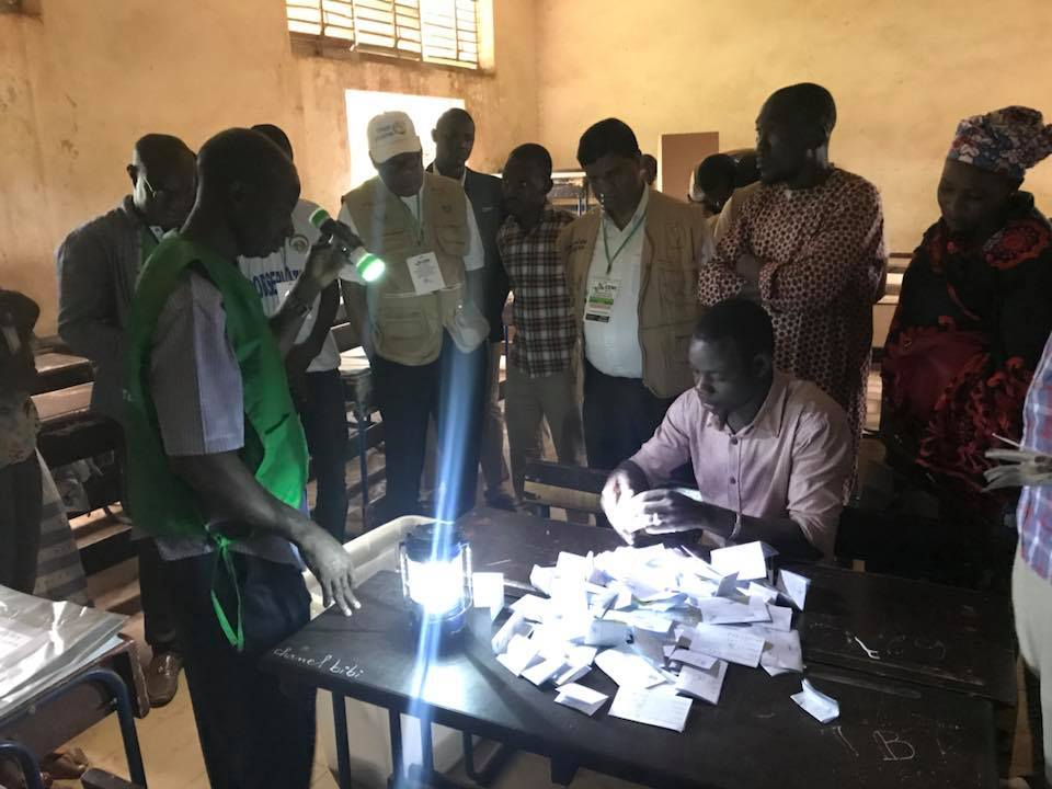 resultat-election-presidentielle-malienne-bulletin-urne-bureau-vote-electeur-carte-comptage