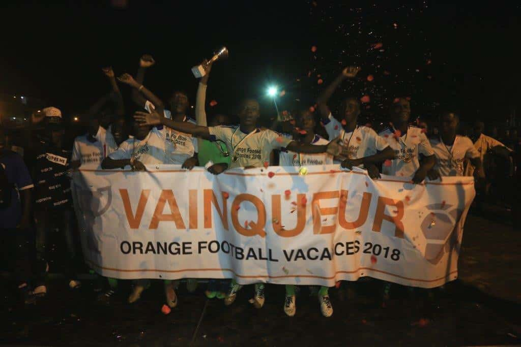 Orange-football-vacances