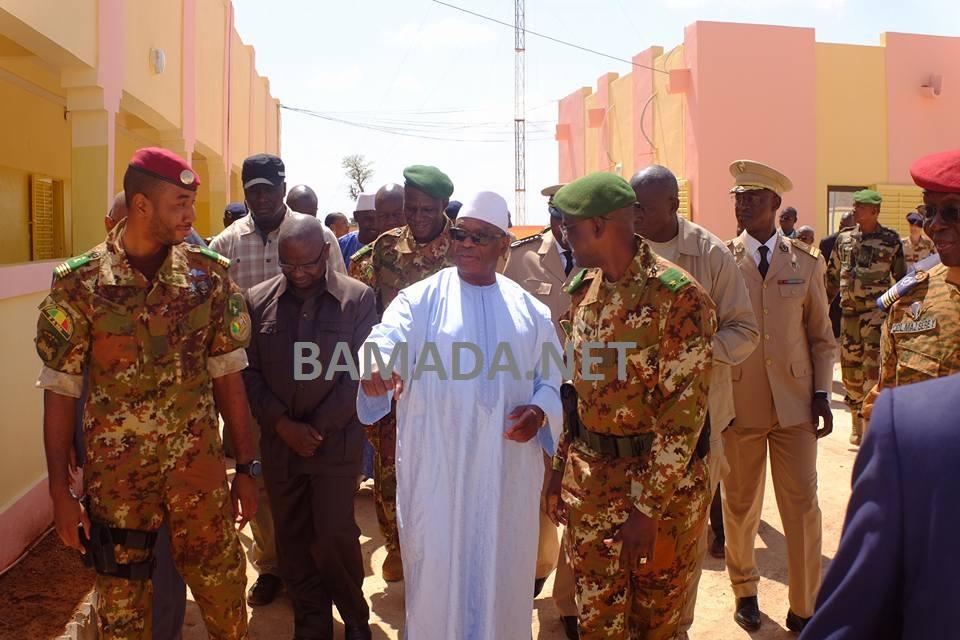 ibrahim-boubacar-keita-ibk-chef-etat-tiena-coulibaly-general-didier-dacko-Commandant-force-conjointe-sahel-inauguration