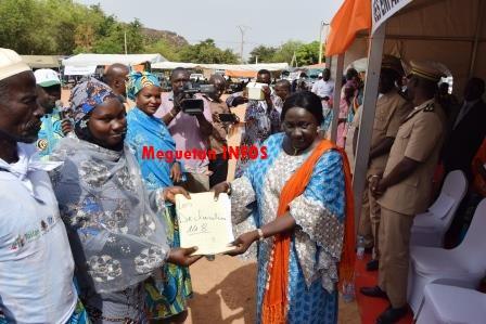 Remise-déclaration-publique-TOSTAN-Mali-Koulikoro