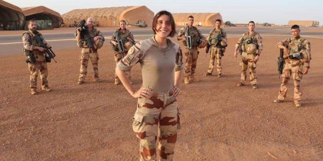 estelle-capitaine-armee-francaise-femme-militaire-soldat-barkhane-serval-sahel-nord-mali-gao-base-camp-tropue-arrive