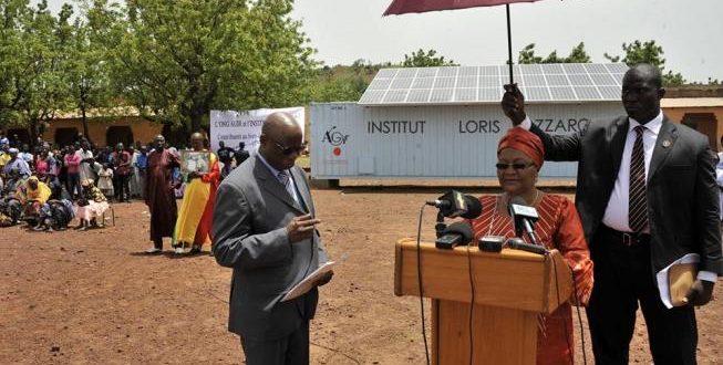 Lutte contre la maladie à coronavirus : Keïta Aminata Maïga fait œuvre utile au Camp 1 de gendarmerie